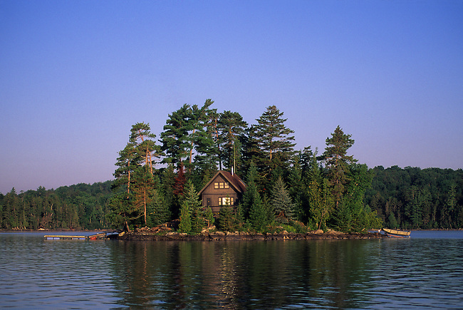 USA, MAINE, MOOSEHEAD LAKE CABIN ON ISLAND