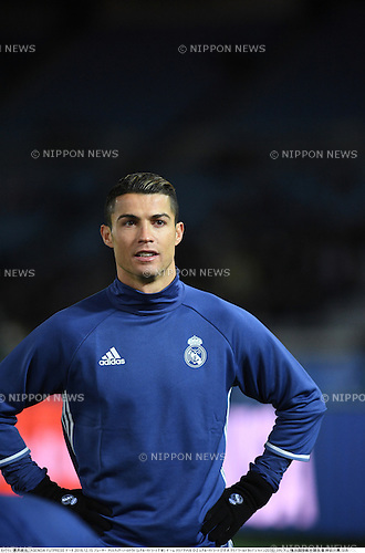 Cristiano Ronaldo (Real),<br /> DECEMBER 15, 2016 - Football / Soccer :<br /> Cristiano Ronaldo of Real Madrid warms up before the FIFA Club World Cup Japan 2016 Semifinal match between Club America 0-2 Real Madrid at International Stadium Yokohama in Kanagawa, Japan. (Photo by Takamoto Tokuhara/AFLO)
