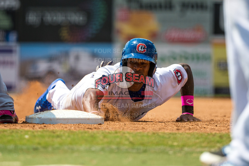 Byron Buxton (7) of the Chattanooga Lookouts slides during a game between the Jackson Generals and Chattanooga Lookouts at AT&T Field on May 10, 2015 in Chattanooga, Tennessee. (Brace Hemmelgarn/Four Seam Images)