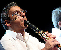 CARTAGENA-COLOMBIA-10-01-2013. El clarinetista Gabriele Mirabassi  en su presentacion en la Sociedad Portuaria Cartagena de Indias  en el VII Festival Internacional de Musica de Cartagena. The clarinetist Gabriele Mirabassi in his presentation at the Cartagena Port Authority in the VII International Music Festival Cartagena. (Photo: VizzorImage).........