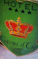 """Europe/Italie/Emilie-Romagne/Bologne : Enseigne de l'hôtel """"Corona d'Oro"""""""