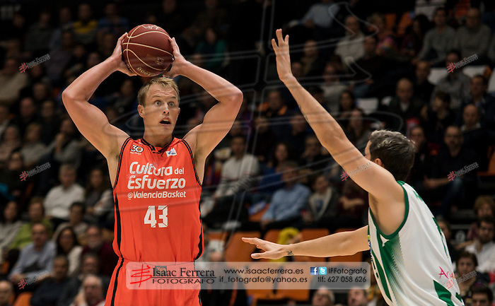 Endesa League 16/17.<br /> Valencia Basket Club (66) vs (56) Real Betis E. Plus.<br /> Fuente de San Luis Pavillion (aka La Fonteta).<br /> 2016, november 27.