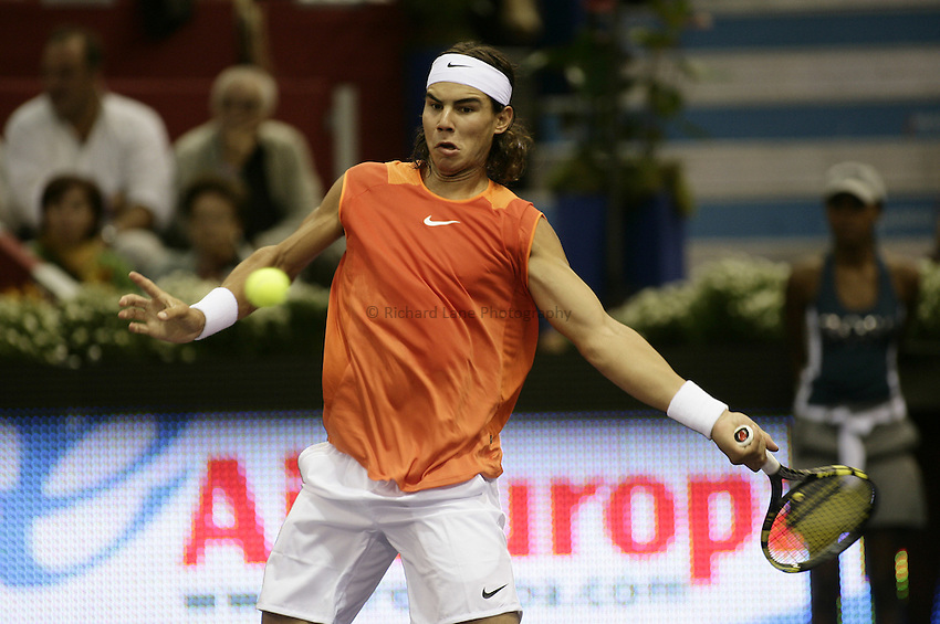 Photo: Barry Bland..Madrid Masters. .22/10/2005..Rafael Nadal in action against Robby Ginepri.
