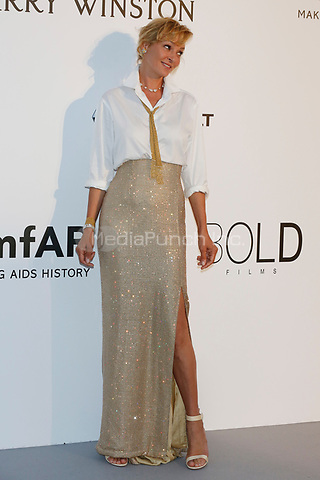 Uma Thurman at the amfAR Gala Cannes 2017 at Hotel du Cap-Eden-Roc on May 25, 2017 in Cap d'Antibes, France. Credit: John Rasimus /MediaPunch ***FRANCE, SWEDEN, NORWAY, DENARK, FINLAND, USA, CZECH REPUBLIC, SOUTH AMERICA ONLY***