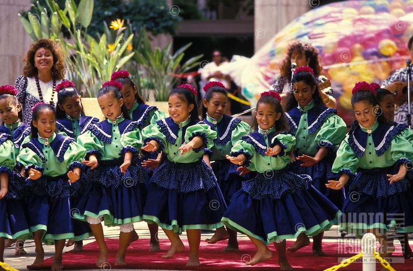 Keiki (child) hula at Tamarind Park, Honolulu