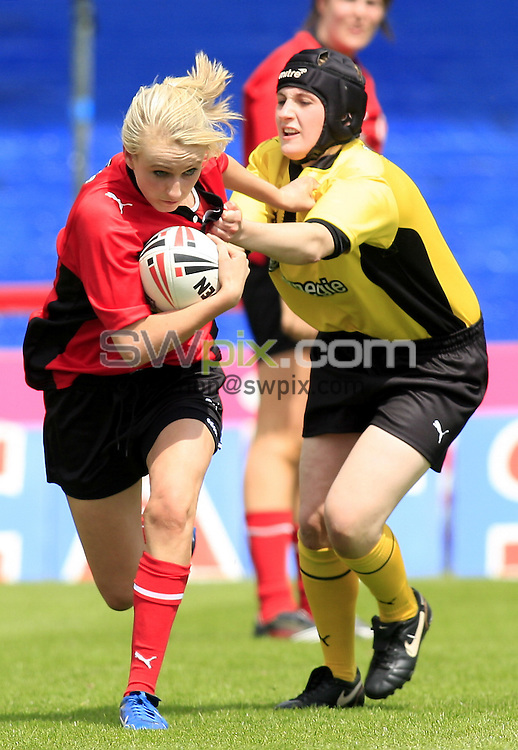 Pix: Chris Mangnall/SWpix.com, Women's Rugby League, Carnegie Super 4 @ Hearwell Stadium Wakefield 14/06/09 ....picture copyright>>Simon Wilkinson>>07811267 706>>.... Firebirds v Swifts