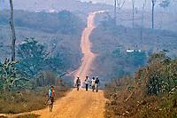 Poluição do ar por queimadas, Rondônia. 1998. Foto de Ricardo Azoury.