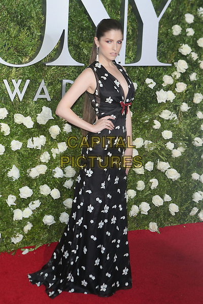 NEW YORK, NY - JUNE 11: Anna Kendrick at the 2017 Tony Awards at Radio City Music Hall on June 11, 2017 in New York City. <br /> CAP/MPI99<br /> &copy;MPI99/Capital Pictures