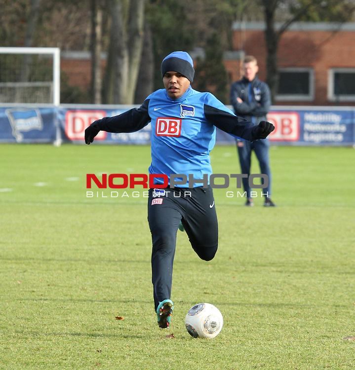 04.01.2014, Sportpark, Berlin, GER, 1.FBL, Hertha BSC , Training, im Bild Ronny (Hertha BSC Berlin)<br /> <br />               <br /> Foto &copy; nordphoto /  Schulz