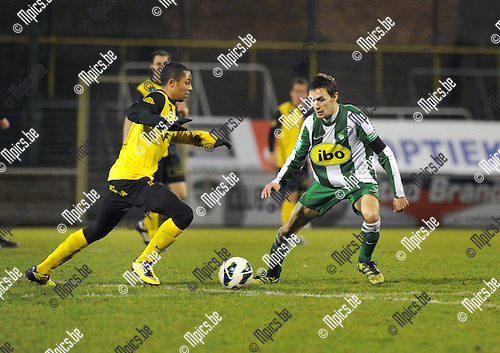 2013-03-09 / Voetbal / seizoen 2012-2013 / Racing Mechelen - Olsa Brakel / Gaetan Makonga Tara met Sven Vandeput (r, RCM)..Foto: Mpics.be