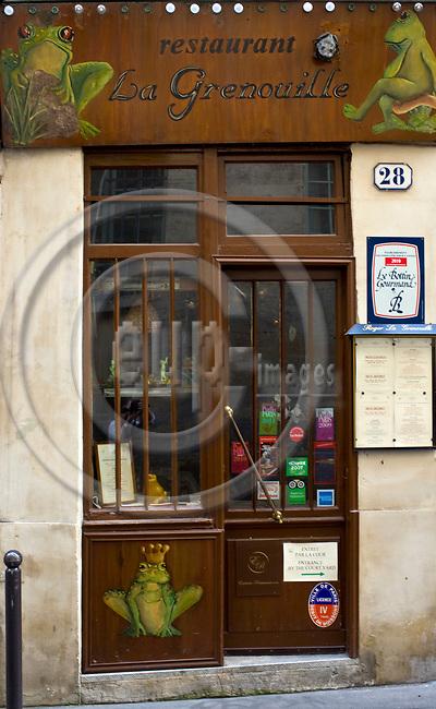 """PARIS - FRANCE - 08 MAY 2011 -- Paris travel city photos.-- Restaurant """"La Grenouille"""" Rue des Grands Augustins 28. -- PHOTO: Juha ROININEN / EUP-IMAGES"""