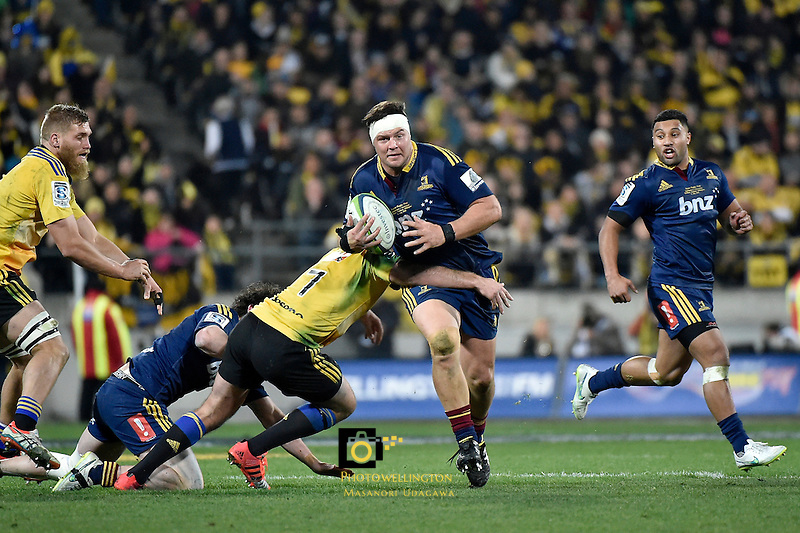 Brendon Edmonds in action during the Super Rugby Final - Hurricanes v Highlanders at Westpac Stadium, Wellington, New Zealand on Saturday 4 July 2015.<br /> Photo by Masanori Udagawa. <br /> www.photowellington.photoshelter.com.