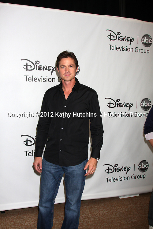 LOS ANGELES - JUL 27:  Eric Close arrives at the ABC TCA Party Summer 2012 at Beverly Hilton Hotel on July 27, 2012 in Beverly Hills, CA
