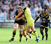 Joe Launchbury of Wasps takes on the Leicester Tigers defence. Aviva Premiership semi final, between Wasps and Leicester Tigers on May 20, 2017 at the Ricoh Arena in Coventry, England. Photo by: Patrick Khachfe / JMP