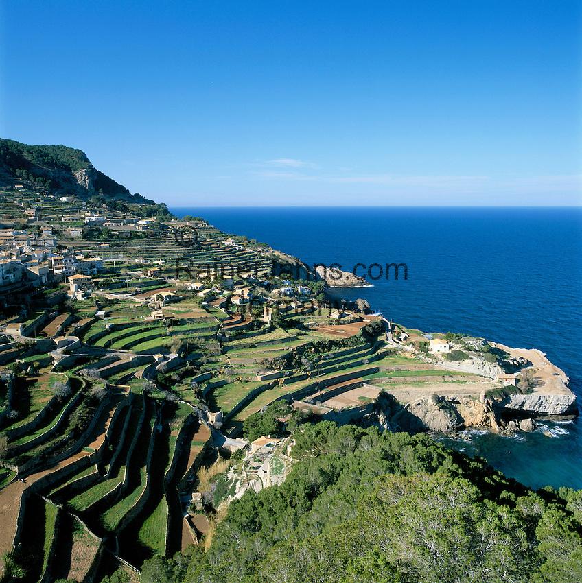 Spain, Balearic Islands, Mallorca, near Banyalbufar: terraces along Northwest coast | Spanien, Balearen, Mallorca, bei Banyalbufar: Terrassen an der Nordwestkueste