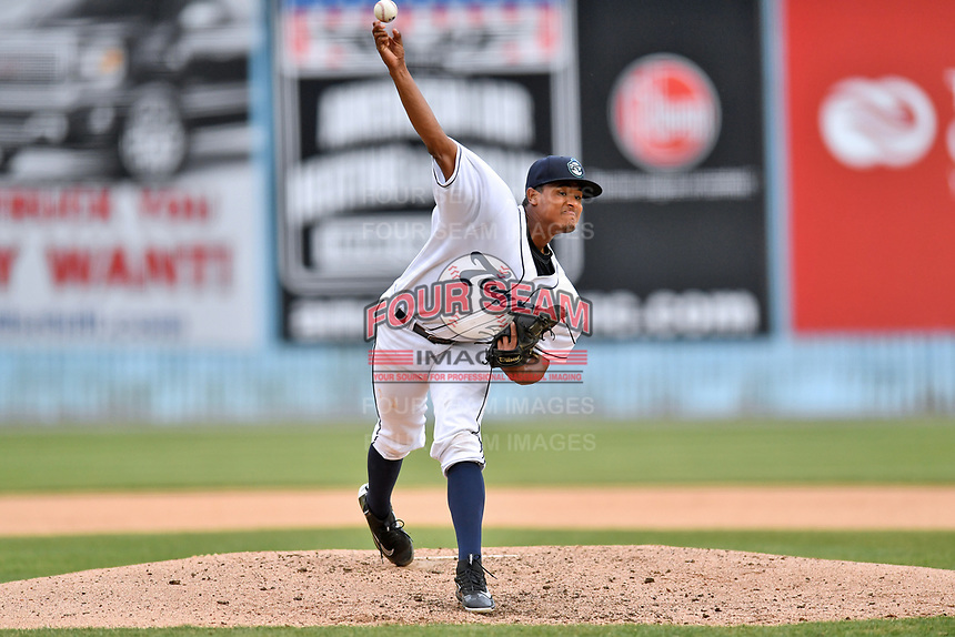 Asheville Tourists starting pitcher Erick Julio (29) delivers a pitch during a game against the Lexington Legends at McCormick Field on May 29, 2017 in Asheville, North Carolina. The Legends defeated the Tourists 6-2. (Tony Farlow/Four Seam Images)