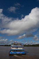PA Ilha do Marajó da Caixa atende a população em Soure.<br /> Barco da Caixa  para atendimento das populações carentes nos municípios de Soure, Curralinho, Melgaço, Portel e Muaná no arquipélago do Marajó.<br /> Soure, Pará, Brasil.<br /> Foto Paulo Santos<br /> 22/04/2014