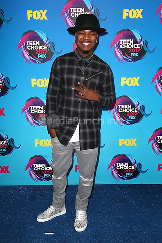 LOS ANGELES, CA - AUGUST 13: Ne-Yo at  the Teen Choice Awards 2017 at Galen Center on August 13, 2017 in Los Angeles, California. Credit: Faye Sadou/MediaPunch