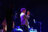 SÃO PAULO, SP - 07.12.2013 - SUMMER BREAK FESTIVAL 2013 - INCUBUS - A Banda Incubus durante sua apresentação no Summer Break Festival 2013, que ocorre no  Campo de Marte, região norte neste sabado (07). (Foto: Marcelo Brammer/Brazil Photo Press)