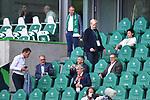 """Bayern-Vereinsspitze auf der Tribuene, <br />v.l. <br />Karl-Heinz RUMMENIGGE (Vorstandsvorsitzender, M), <br />Herbert HAINER (Praesident, M),<br />Oliver """" Oli """" KAHN (Vorstandsmitglied, M)<br /><br />Sport: Fussball: 1. Bundesliga: Saison 19/20: 34.Spieltag, <br />VFL WOLFSBURG - FC BAYERN MUENCHEN <br />am 27.06.2020 in der Volkswagen Arena Wolfsburg, <br /><br />Nur fuer journalistische Zwecke! <br />Only for editorial use!<br />Gemaess den Vorgaben der DFL Deutsche Fussball Liga ist es untersagt, in dem Stadion und/oder vom Spiel angefertigte Fotoaufnahmen in Form von Sequenzbildern und/oder videoaehnlichen Fotostrecken zu verwerten bzw. verwerten zu lassen. <br />DFL regulations prohibit any use of photographs as image sequences and/or quasi-video.<br />National and International News Agencies OUT<br />NO RESALE!"""