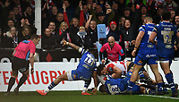 4th January 2020; Kingsholm Stadium, Gloucester, Gloucestershire, England; English Premiership Rugby, Gloucester versus Bath; Ruan Ackermann of Gloucester scores a try in the corner under pressure  from Anthony Watson of Bath - Editorial Use