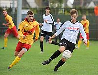 Beker van Belgi&euml; :<br /> Eendracht Wervik - SK Eernegem :<br /> Thomas Lambrecht (L) in achtervolging op Nick Vandekerckhove (R) <br /> <br /> Foto VDB / Bart Vandenbroucke