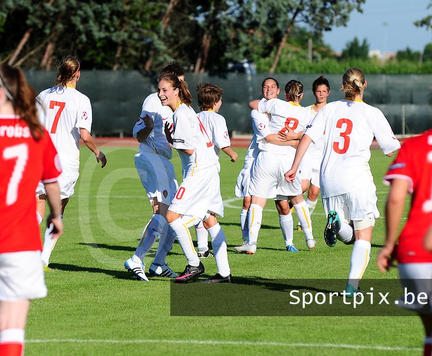 European Women's Under - 19 Championship 2011 Italy :.Switzerland - Belgium U19 : vreugde bij de meisjes nadat ze de 2-1 aansluitingstreffer scoorden.foto DAVID CATRY / VROUWENTEAM.BE