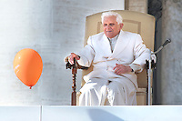 Pope Benedict XVI general audience in Saint Peter's Square;Feb. 18, 2009... December. 25, 2007.. .
