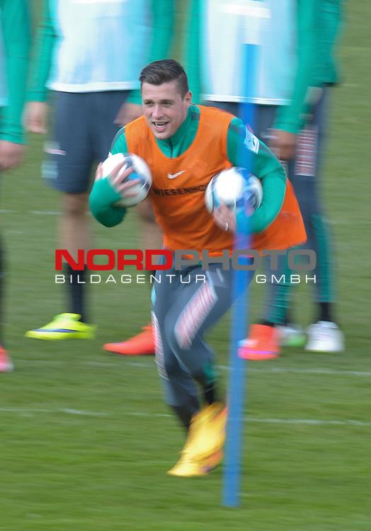 08.04.2015, Trainingsgelaende, Bremen, GER, 1.FBL, Training Werder Bremen, im Bild Zlatko Junuzovic (Bremen #16)<br /> <br /> Foto &copy; nordphoto / Frisch