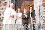 Two pupils from Scoil Náisiúnta an Chlocháin who received their First Holy Communion last Friday at Seipéal Naomh Bréanainn, Chlocháin were Georgia Nic Edbhaird agus Darragh O'Corcora with Fr Michael Hussey agus múinteoir Aisling Eú Laighin.