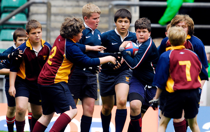 Photo: Alan Crowhurst..The Daily Telegraph National Emerging Schools Rugby Festival. 05/05/2007. Twickenham Finals. Malborough School attack. U12 Emerging.