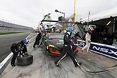 26-29 January, 2017, Daytona Beach, Florida, USA<br /> 86, Acura, Acura NSX, GTD, Oswaldo Negri Jr., Tom Dyer, Jeff Segal, Ryan Hunter-Reay, pit stop<br /> &copy;2017, Michael L. Levitt<br /> LAT Photo USA