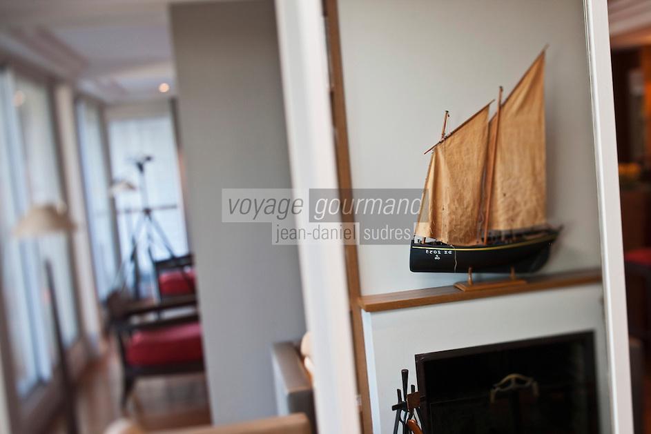 Europe/France/Pays de la Loire/44/Loire-Atlantique/La Plaine-sur-Mer: Hôtel-Restaurant: Anne de Bretagne, port de la Gravette détail décoration d'un salon