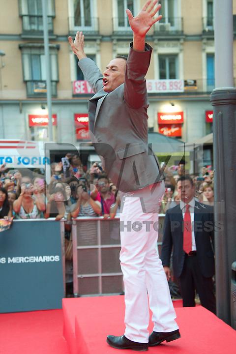 """MADRI, ESPANHA, 08 AGOSTO 2012 - PRE ESTREIA OS MERCENARIOS 2 - O ator belga Jean Claude Van Damme e sua esposa Gladys durante a premiere do filme """"Os Mercenarios 2"""" no Callao Cinema em Madri capital da Espanha, na noite desta quarta-feira, 08. (FOTO: BILLY CHAPPE / ALFAQUI / BRAZIL PHOTO PRESS)."""