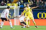 Bruno Soriano Llido (r) of Villarreal CF battles for the ball with Santiago Mina Lorenzo, Santi Mina, of Valencia CF during their La Liga match between Villarreal CF and Valencia CF at the Estadio de la Cerámica on 21 January 2017 in Villarreal, Spain. Photo by Maria Jose Segovia Carmona / Power Sport Images