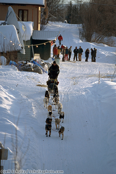 Rick Casillo Leaves Takotna Checkpoint Alaska.2004 Iditarod