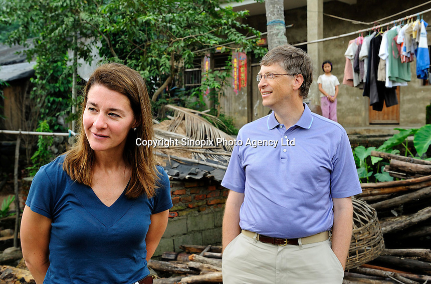 Bill and Melinda Gates visit Yong Jie Village in Sanya, Hainan, China. <br /> <br /> photo by Lou Lin Wei / Sinopix