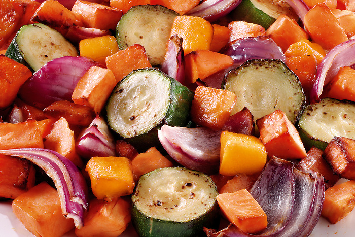 Roast vegetablse, carrots, courgettes and onions food photos
