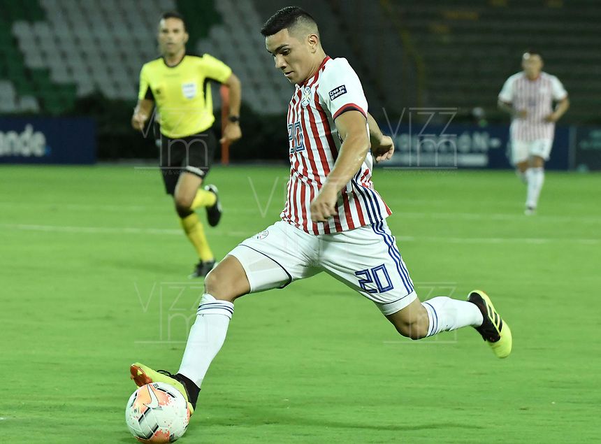ARMENIA – COLOMBIA, 19-01-2020: Hugo Fernandez de Paraguay en acción durante partido entre Uruguay y Paraguay por la fecha 1, grupo B, del CONMEBOL Preolímpico Colombia 2020 jugado en el estadio Centenario de Armenia, Colombia. / Hugo Fernandez of Paraguay in action during the match between Colombia and Paraguay for the date 1, group B, for the CONMEBOL Pre-Olympic Tournament Colombia 2020 played at Centenario stadium in Armenia, Colombia. Photos: VizzorImage / Gabriel Aponte / Staff