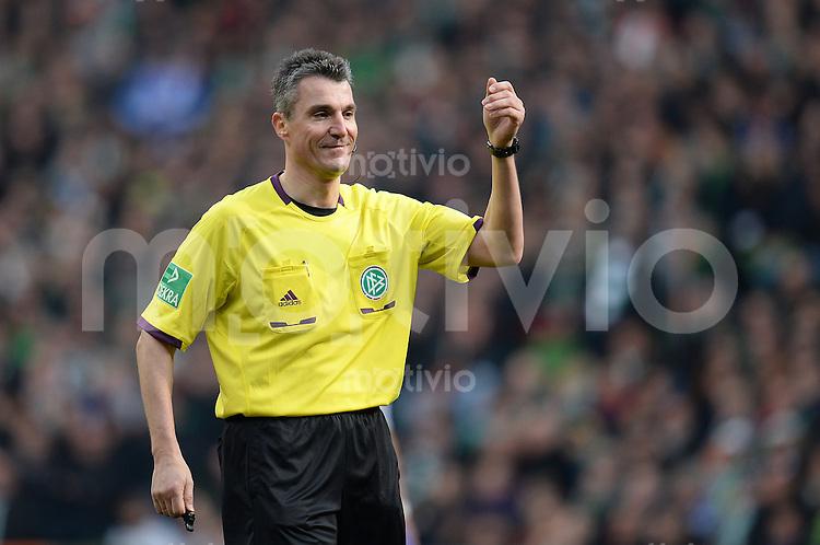 FUSSBALL   1. BUNDESLIGA   SAISON 2012/2013    28. SPIELTAG SV Werder Bremen - FC Schalke 04                          06.04.2013 Schiedsrichter Knut Kircher