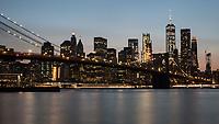 NEW YORK, EUA, 23.08.2017 - TURISMO-NEW YORK - Vista da ponte do Brooklyn em Manhattan na cidade de New York na noite desta quarta-feira, 23. (Foto: William Volcov/Brazil Photo Press)