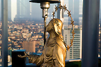 milano, la copia della madonnina del duomo che sarà sistemata sul tetto della nuova sede della regione lombardia --- milan, the copy of the Madonnina on Duomo that will be placed on the top of the new skyscraper headquarter of Lombardy Region authority