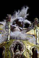 SAO PAULO, SP, 19 DE FEVEREIRO 2012 - CARNAVAL SP - UNIDOS DE SAO LUCAS - Desfile da escola de samba Unidos de Sao Licas na terceira noite do Carnaval 2012 de São Paulo, no Sambódromo do Anhembi, na zona norte da cidade, neste domingo.(FOTO: RICARDO LOU  - BRAZIL PHOTO PRESS).