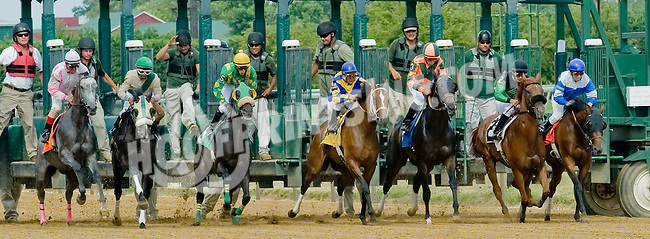 Hurricane Girl winning at Delaware Park on 7/12/12