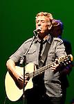 John Cale, singing at Casa das Artes de Famalicao, at 16 May, 2008.