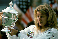 1989, US Open, Steffie Graf with the trophy