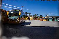CURITIBA, PR, 26.02.2014 - GREVE / TRANSPORTE PÚBLICO - Com 100% dos ônibus de Curitiba e Região Metropolitana parados nesta quarta-feira(26), nem ônibus saiu da garagem.(Foto: Paulo Lisboa / Brazil Photo Press)
