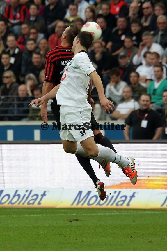 Mario Eggimann (HAnnover) gegen Alex Meier (Eintracht)