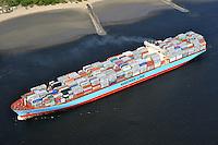 Containerschiff Charlotte Maersk in der Elbe: EUROPA, DEUTSCHLAND, HAMBURG, (EUROPE, GERMANY), 16.04.2009: Containerschiff Charlotte Maersk in der Elbe