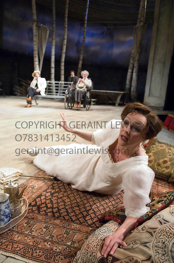 The Seagull by Anton Chekov ,A Royal Shakespeare Company Production Directed by Trevor Nunn. With Frances Barber as Arkadina. Opens at the Courtyard  Theatre Stratford Upon Avon  on 31/5/07   CREDIT Geraint Lewis